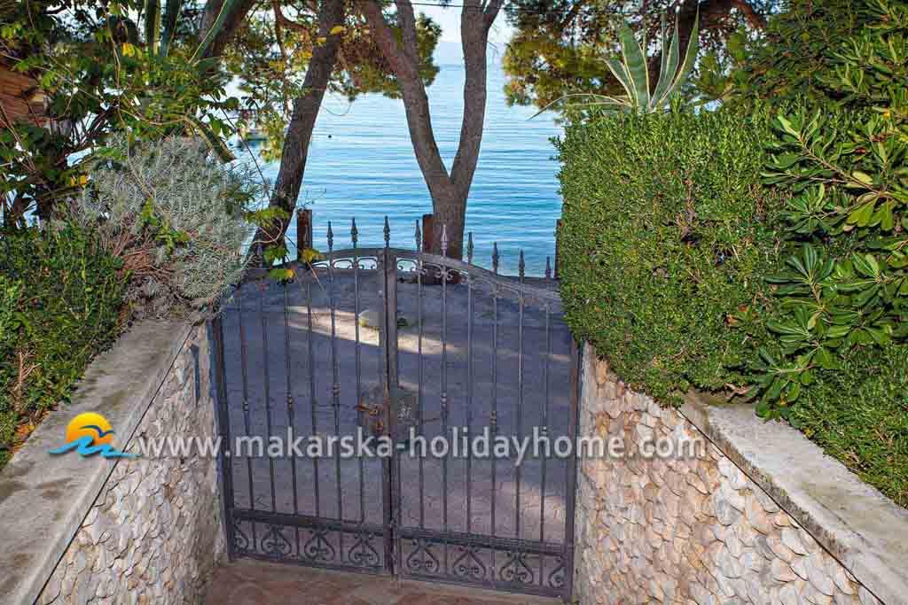 ferienwohnung kroatien direkt am meer makarska apartment niko a1. Black Bedroom Furniture Sets. Home Design Ideas