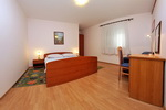 Private apartment in the center of Makarska  Pivac app 1