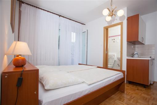 Cheap apartments Makarska Croatia