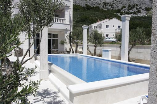 Apartments with Pool Makarska - Croatia