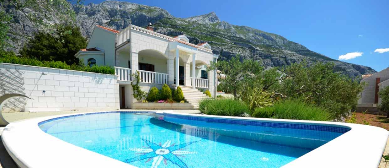 Case vacanze in makarska croazia appartamenti in affitto for Ville moderne con piscina