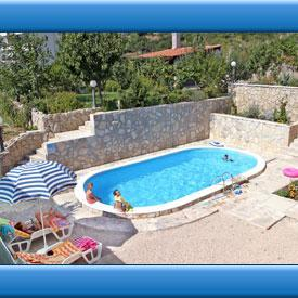 Makarska holiday apartments with pool