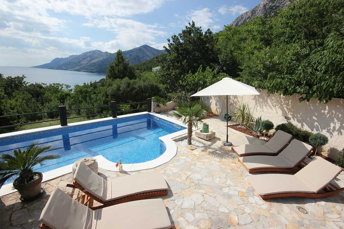 Ferienhaus brela mit pool und hund villa kristi - Ferienhaus formentera mit pool ...
