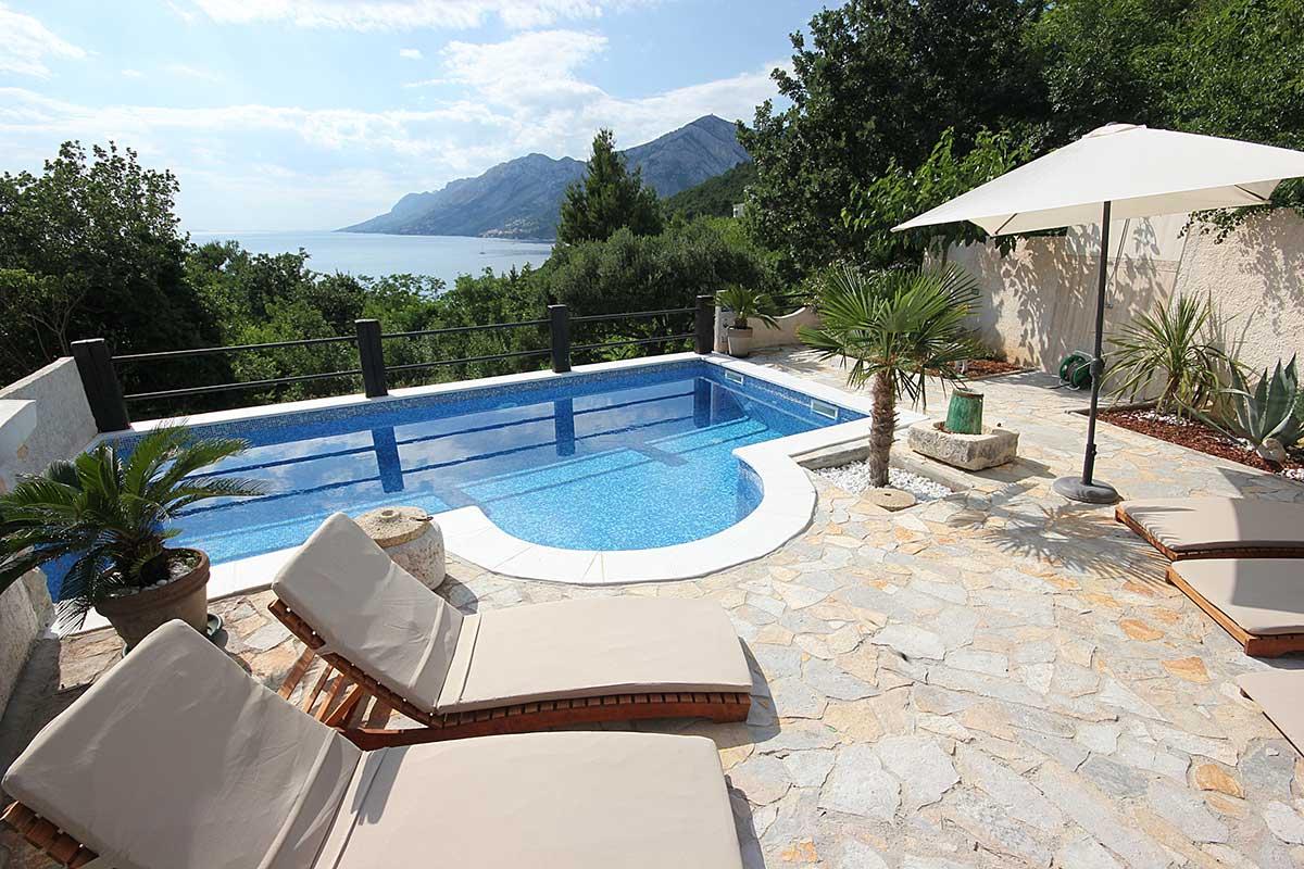 Ferienhaus brela mit pool und hund villa kristi for Ferienhaus mit pool