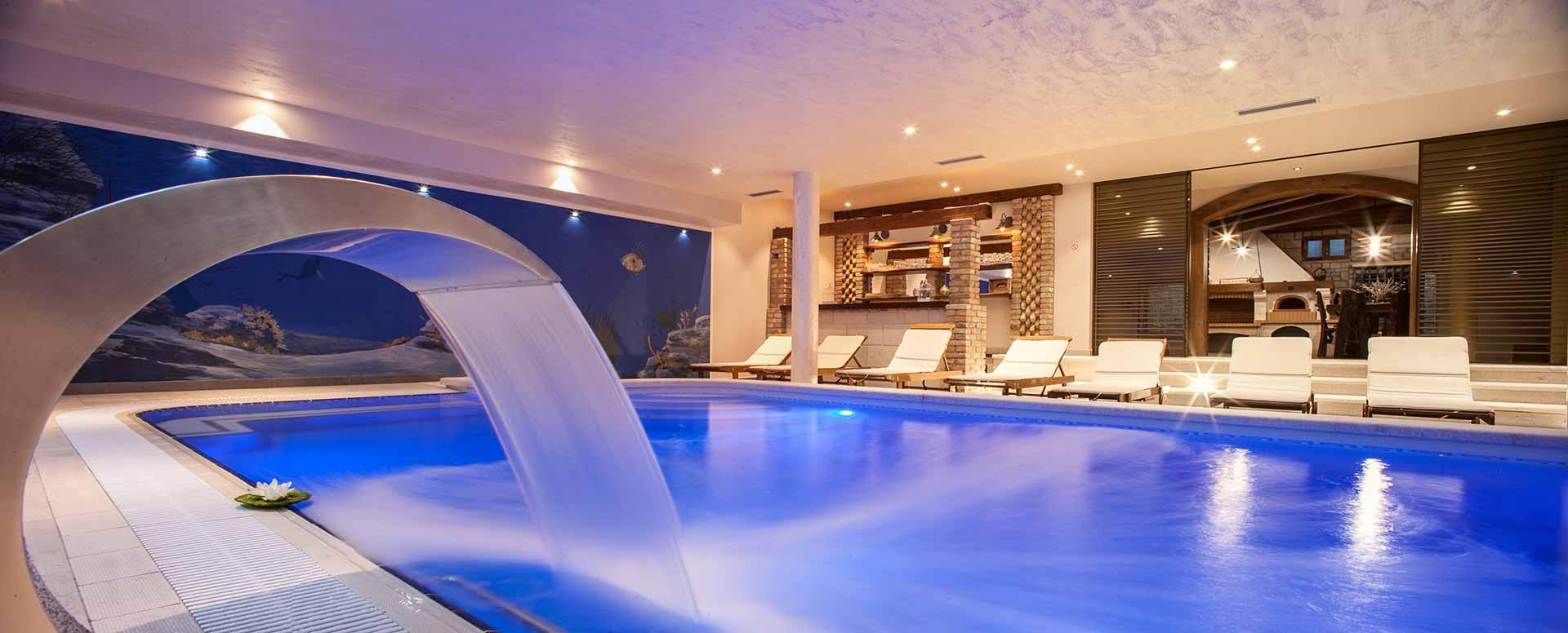 Ferienhaus kroatien mit pool und hund makarska riviera for Kroatien villa mit pool