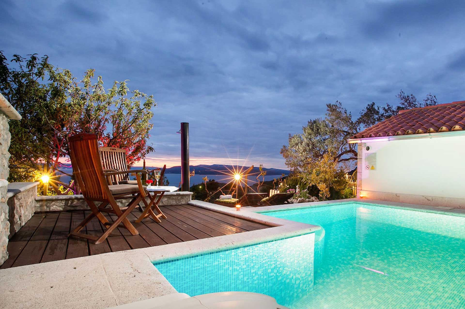 hyra hus i kroatien med pool makarska villa daniela. Black Bedroom Furniture Sets. Home Design Ideas