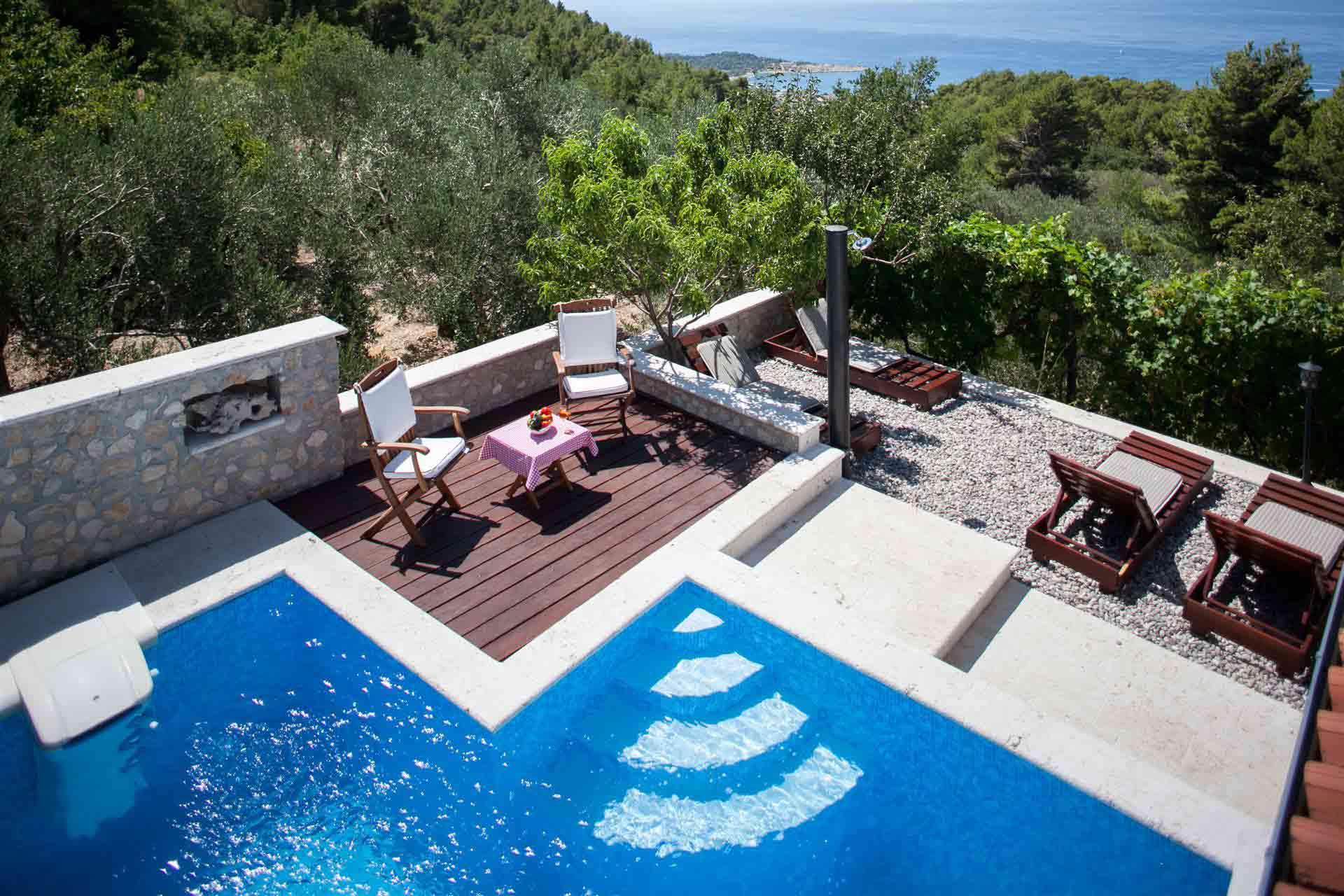 ferienhaus makarska veliko brdo villa daniela. Black Bedroom Furniture Sets. Home Design Ideas