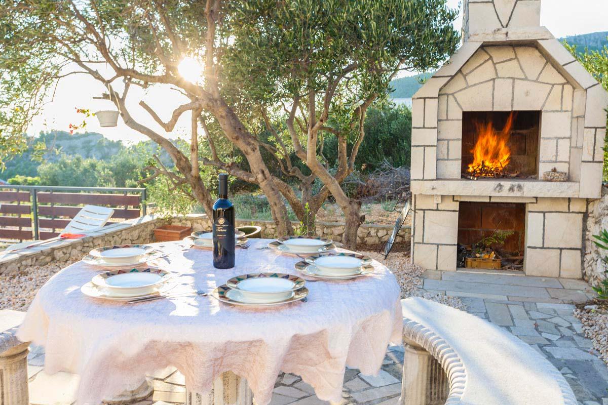 Holiday House In Makarska For Rent Villa Leon