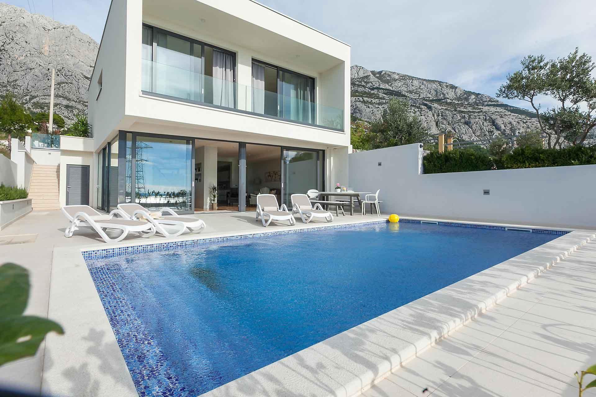 Croatia holiday house with pool makarska villa ivan for Kroatien villa mit pool