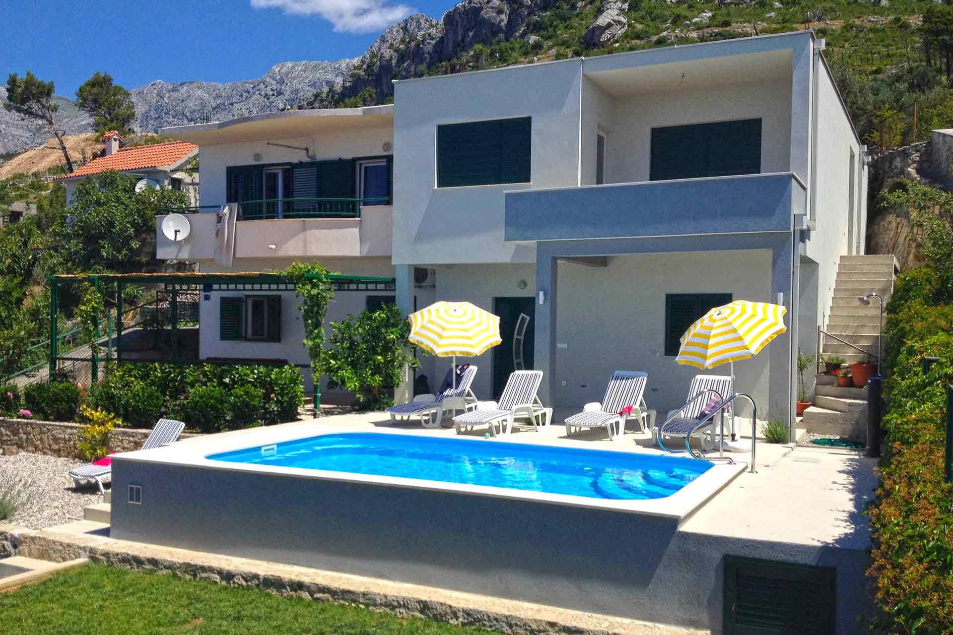 holiday house makarska with pool house kuk. Black Bedroom Furniture Sets. Home Design Ideas