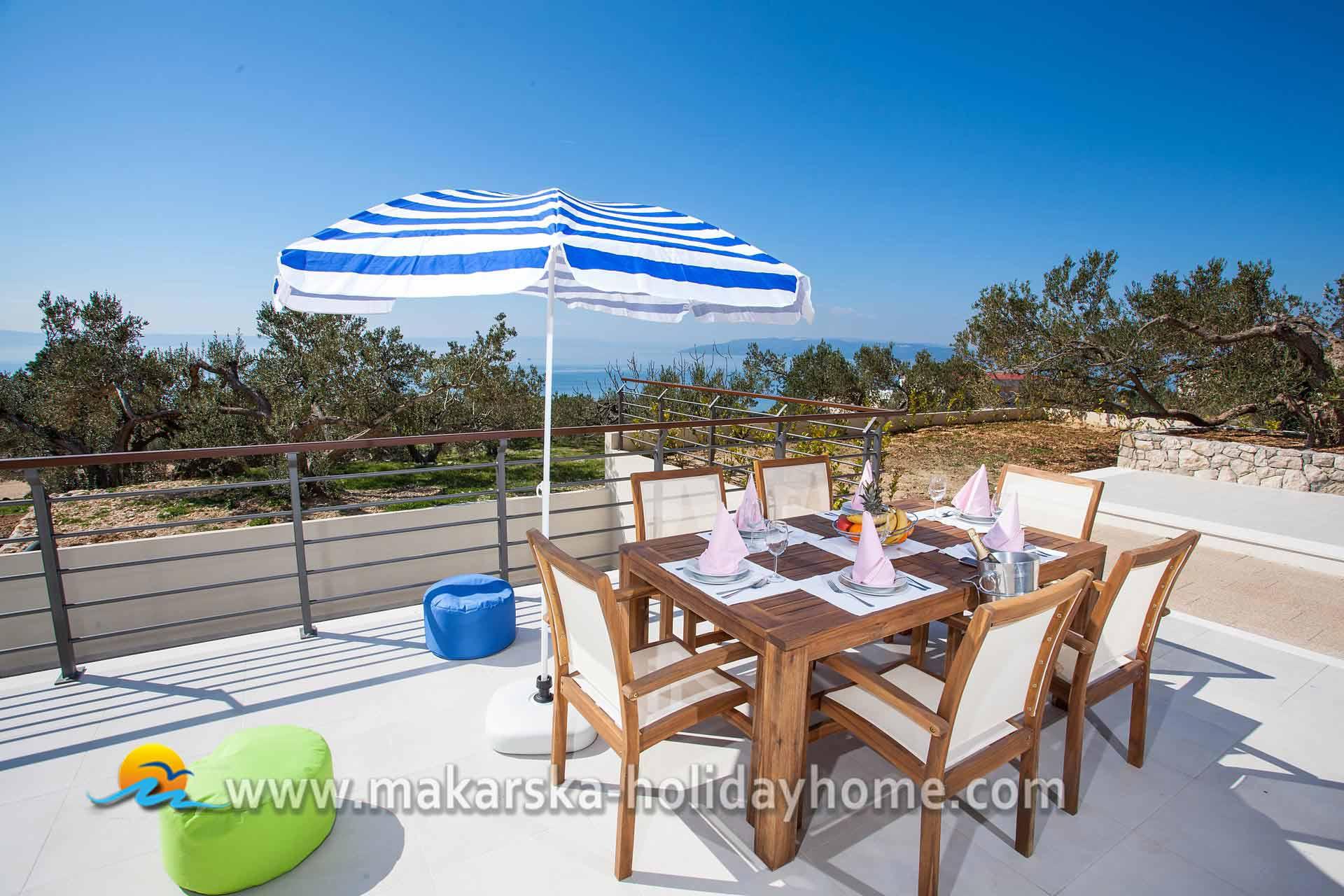 Ferienhaus kroatien mit privatem pool makarska villa silva for Kroatien villa mit pool